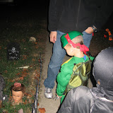 Trick-or-Treating 10-31-11 (5).JPG