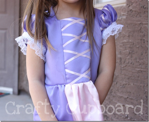 Rapunzel Dress-Up3