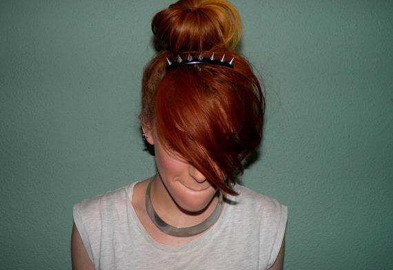 SPIKED HAIR CLIP 2