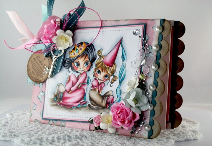 Claudia_Rosa_Princess chipboard album_3
