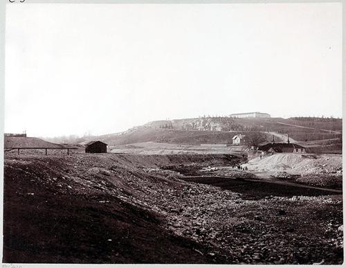 Vanadislunden från sydväst med gamla vattenborgen. Foto Larssons alteljé 1902.
