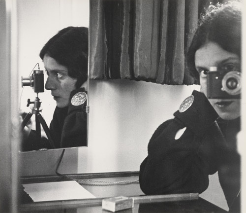 Ilse Bing, Self-Portrait in Mirrors, 1931.jpg