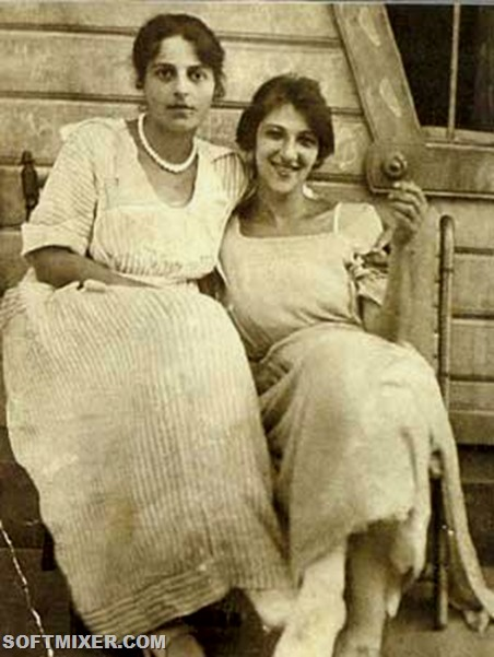 faina-ranevskaya-young-with-sister