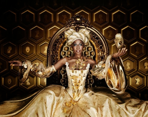 Gold-Queen-(c)-Marcel-Wanders--Edition-by-Lumas
