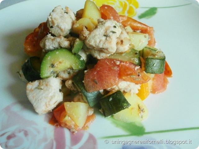 smeriglio pesce secondo verdure pomodorini zucchine patate carote timo origano economica veloce pesce spada ricetta anticrisi low cost