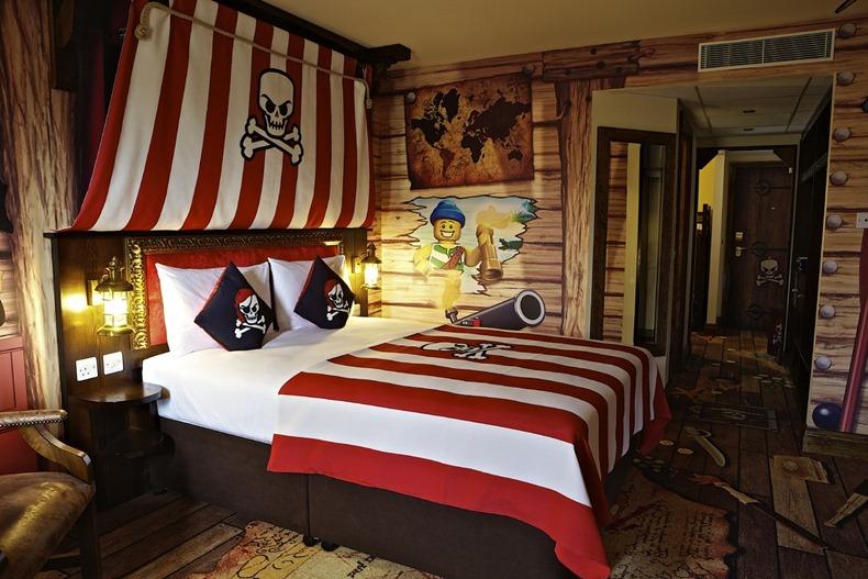 lego-hotel-12