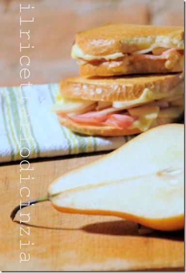 Toast prosciutto, gouda e pere kaiser