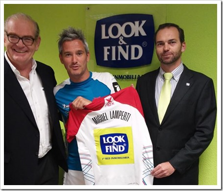 Miguel Lamperti en el momento del acuerdo con LOOK AND FIND como patrocinador oficial durante 2015