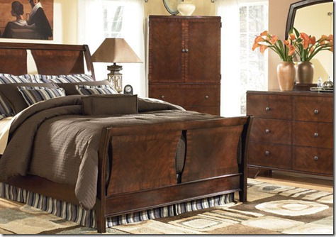 Ashley Bedroom Furniture Set (3)