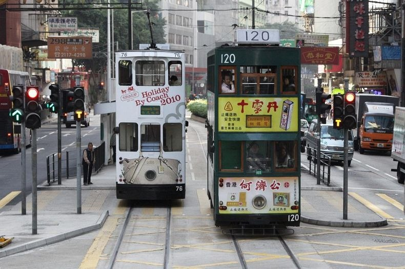 hong-kong-trams-1