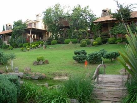 Decoraci n de jardines de campo dise o y decoracion de for Modelos de jardines en casa