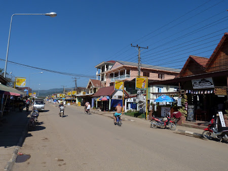 Turism Laos: centru Vang Vieng