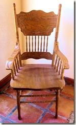 WindsorChair_Arms_01