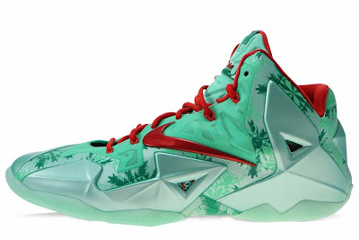 nike lebron 11 gr christmas 2 01 Release Date // Nike LeBron XI (Day After) Christmas Edition