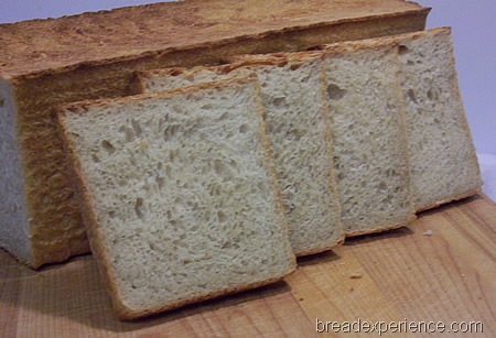 toast-bread-with-teff 025