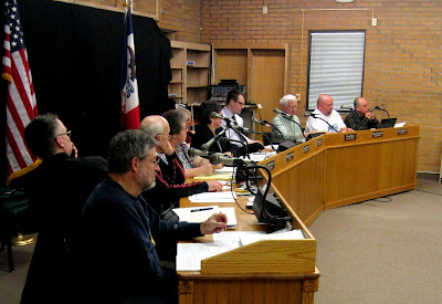 The Washington City Council discussed airport safety and runway-rebuild funding at the meeting Wednesday (Ben Stanton/KCII)
