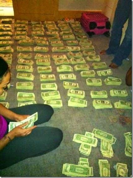 strippers-money-013