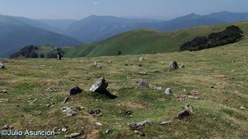 Crómlechs de Arramaleta - ruta megalítica de Goizueta