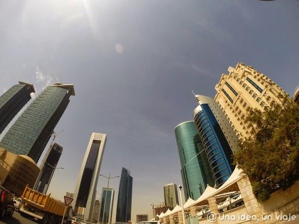 Qatar-Doha-Corniche-1.jpg