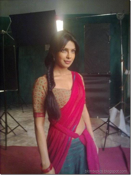 Priyanka Chopra Hot in Red Saree Pics 6
