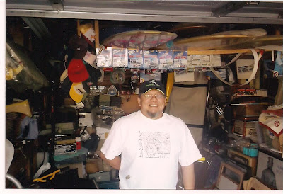This very nice guy I met name Eddie from the South bay area standing in front of his prized possessions 150 skateboards & surfboards, old bicycles and many other old things, there is so much you can not see it all!