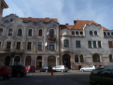 16. cladiri Art Nouveau Oradea.JPG