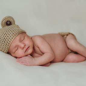 Bruin by Svetlana Mazurina - Babies & Children Babies ( bear, cutie baby, do not miss the time, baby, sleeping, cute pictures, the memory of a lifetime, newborn, photographer of newborns, svetlana mazurina )