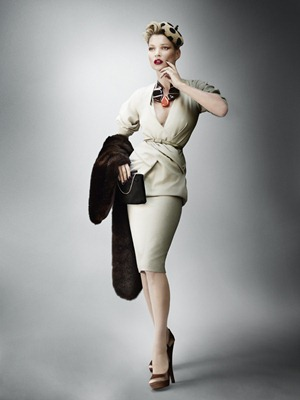Kate_Moss_by_Mario_Testino_(A_La_Mode_-_UK_Vogue_August_2011)_12
