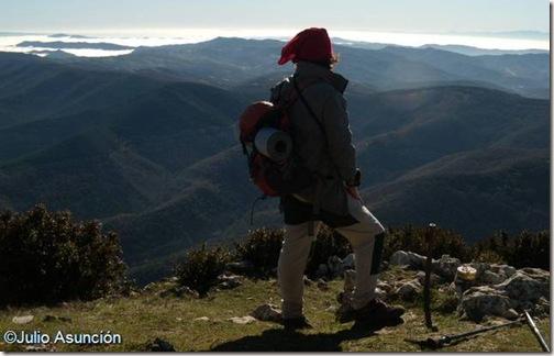 Cima de la Higa de Monreal junto al buzón montañero