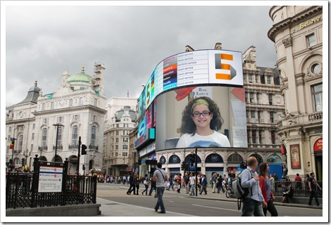 Melody en Picadilly Circus (Londres)