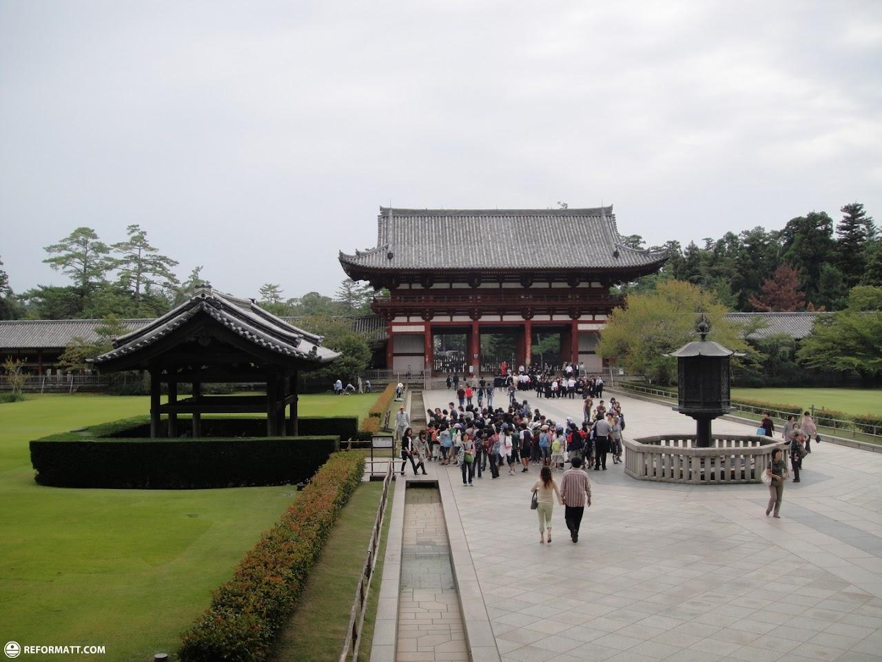 Worlds Biggest Indoor Buddha At Toudaiji Temple In Nara ...