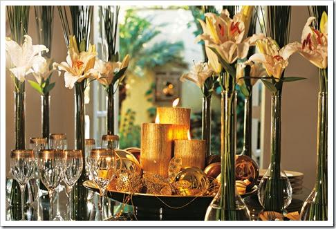 mesa-flores-tacas-velas-douradas-claudia-natal