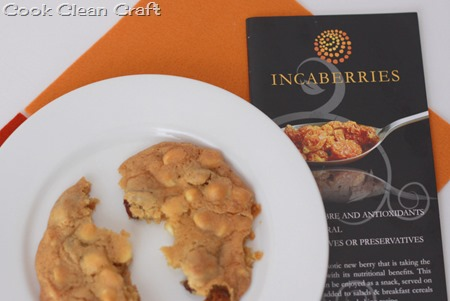 Incaberry and White Chocolate Cookies (2)