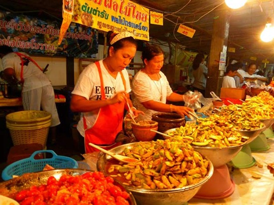le-hoi-an-chay-phuket (6)