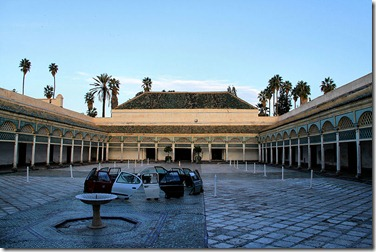 800px-Bahia_Palace_Marrakech_Back_Courtyard_LL