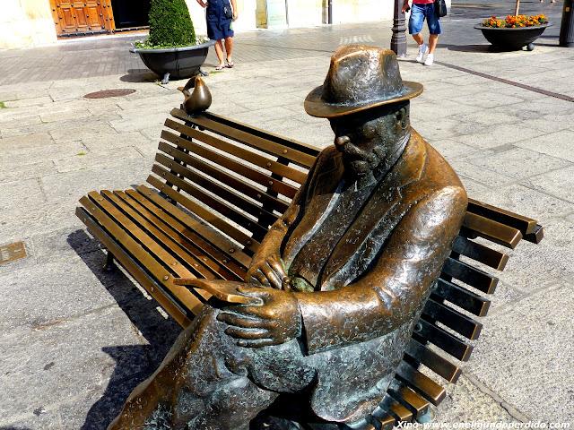 escultura-gaudi-leon.JPG