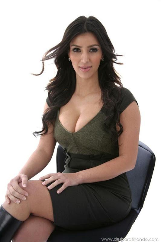 kim-kardashian-linda-sensual-sexy-sedutora-boob-peitos-decote-ass-bunda-gostosa-desbaratinando-sexta-proibida (132)