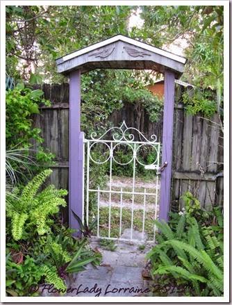 03-23-drway-gate2