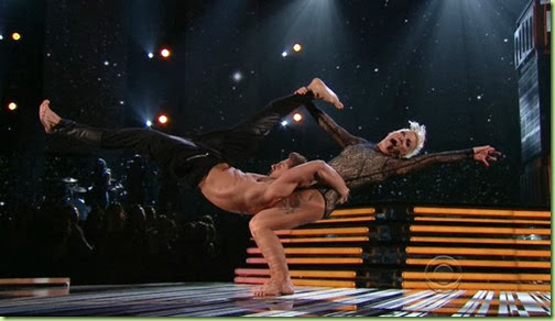 rs_560x321-140126183809-1024-pink-perform-grammy_ls_12614