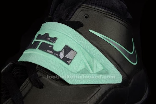 Live Look at LeBron8217s Nike Zoom Soldier VII 8220Green Glow8221