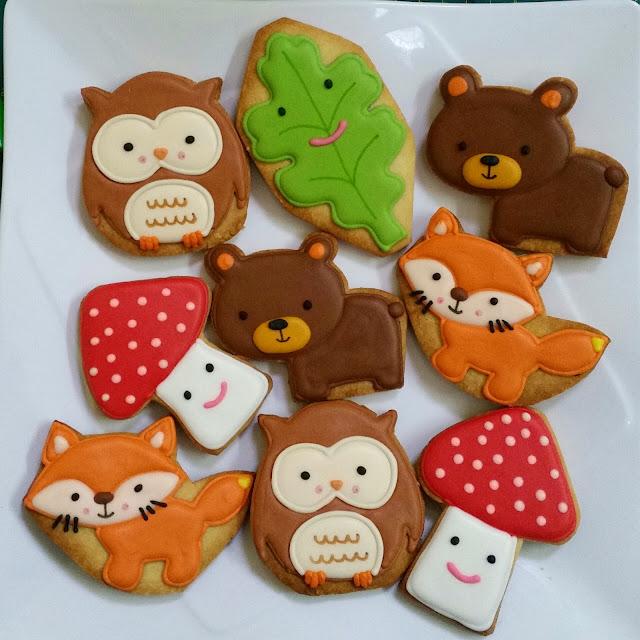 fox, owl, mushroom, leaf, bear cookies.