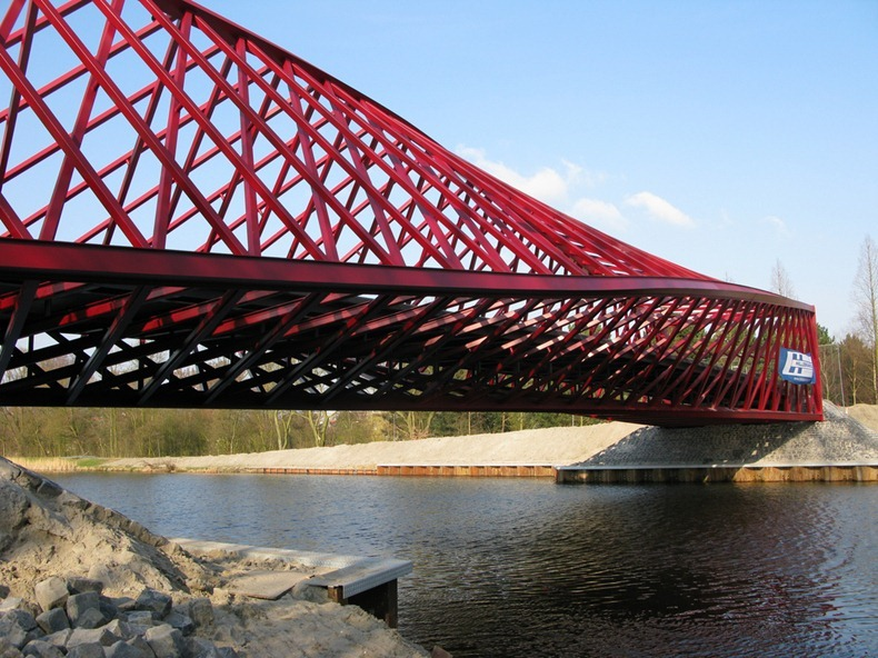 twist-bridge-6