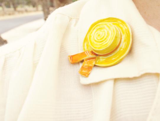 Vintage yellow enamel hat novelty brooch | Lavender & Twill