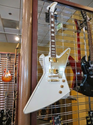 GibsonGuitarFactory%252526Showroom-4-2014-10-29-13-40.jpg