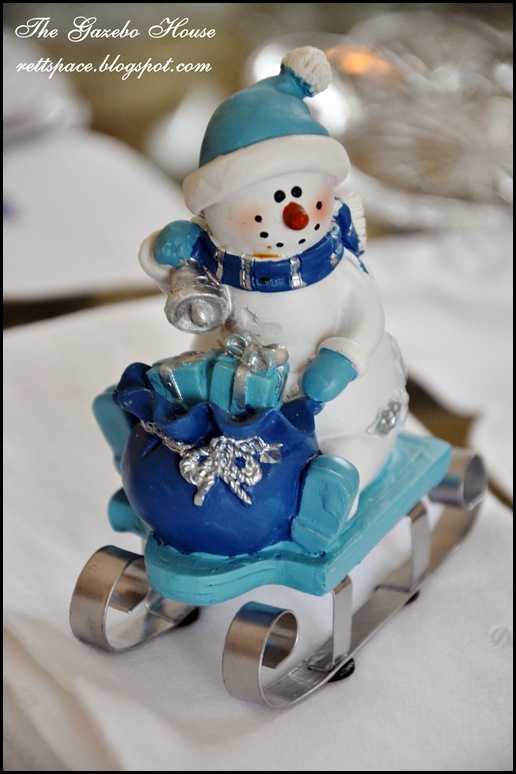 Jan Icey Blue Snowmen Table 013