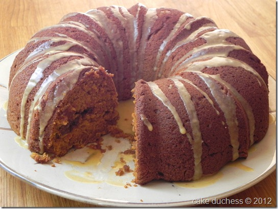 pumpkin-streusel-bundt-cake-with-pumpkin-glaze-bundt-a-month-4