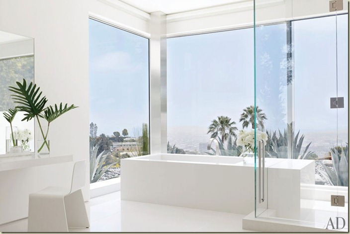Magni item10_rendition_slideshowWideHorizontal_james-magni-design-beverly-hills-home-11-bath