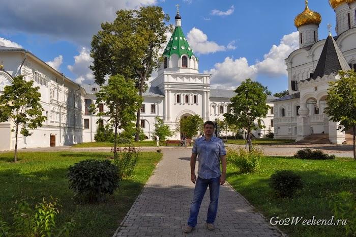 Kostroma_ipatievsky_monastery_10.jpg