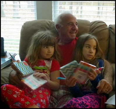 06f - Christmas Blurrr - Grandpop and the girls