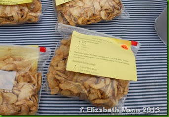 Apple chips in bags
